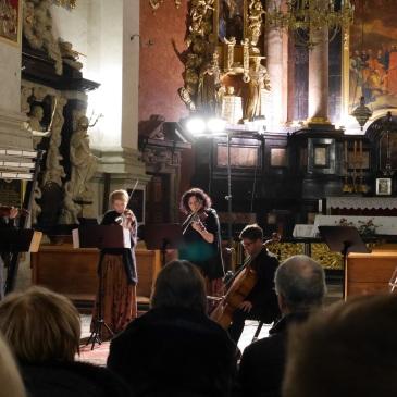 A spontaneous Christmas concert!