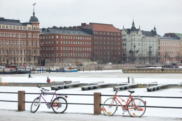 Helsinki er en svært sykkelvennlig by, men det er mer aktuelt når våren kommer.