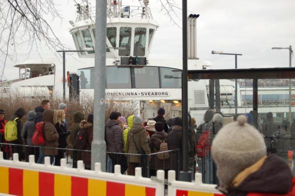 Du kan bruke kollektivbilletten din på båten fra fastlandet til Suomenlinna/Sveaborg.