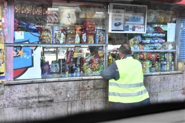 Små kiosker overalt.